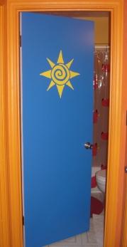 b-room-door3